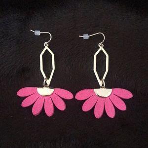 New Premier Designs Flower Drop Earrings Gold tone